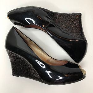 Lilly Pulitzer black patent leather wedges